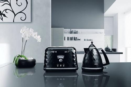 De Longhi CTJ4003 BK Brillante Faceted 4 Slice Toaster DIALS CLOSE UP