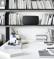 sonos-play-5-on-shelves