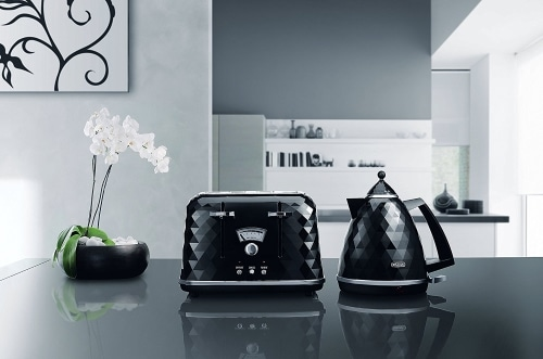 De Longhi CTJ4003 BK Brillante Faceted 4 Slice Toaster DIALS CLOSE UP